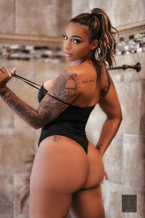 Tattooed Girls (35 pics)