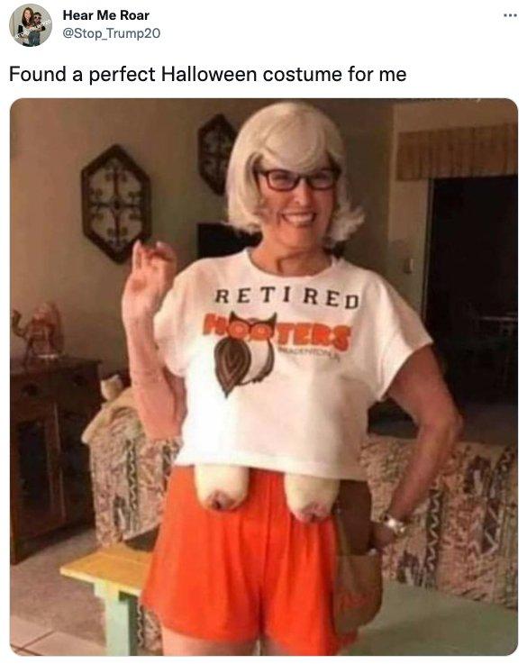 Halloween Costume Tweets (26 pics)