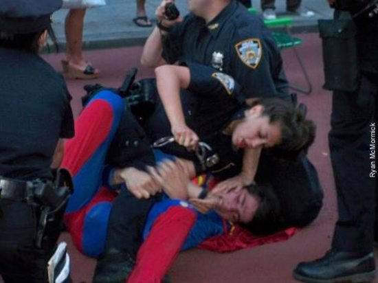 Cops vs. Super Heroes (7 pics)