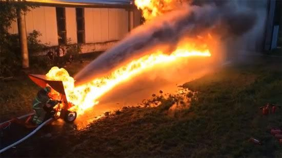 Flamethrower Vs Firehose