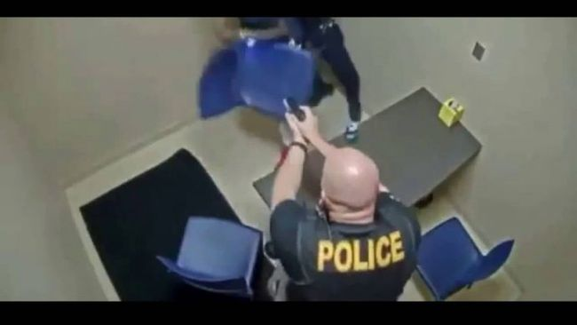 Scumbag Tries To Snatch Officers Gun Inside Interview Room
