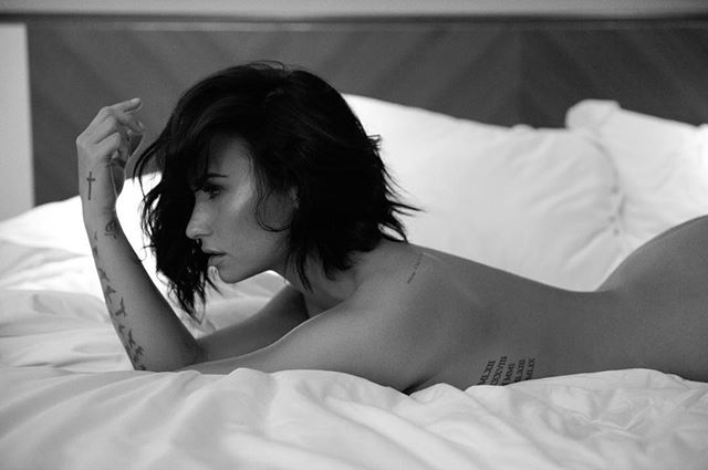 The Hottest Celebrity Pictures You Missed (25 pics)