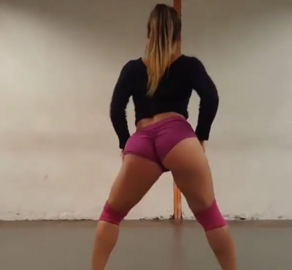 Their Moves Are Hypnotic (7 Hot Videos)