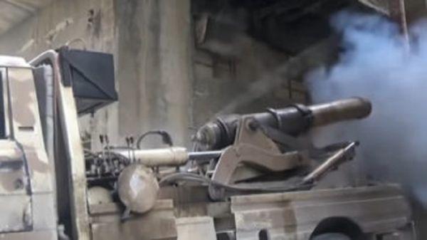Shotgun Guitar + Pirate Cannon In Combat + Siamese M16 (WTF)