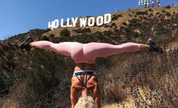 The Handstand Queen (35 pics)