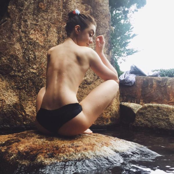 Arya Stark's Sexy Side  (38 Pics)