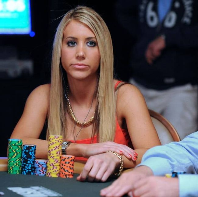 Top 10 Worlds Hottest Female Poker Players 10 Pics-1933