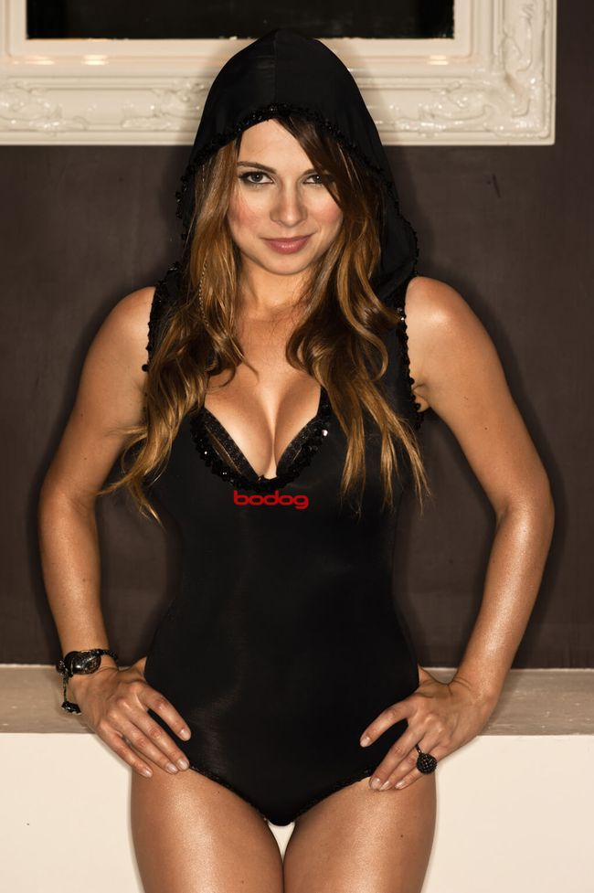 Top 10 World's Hottest Female Poker Players (10 pics)