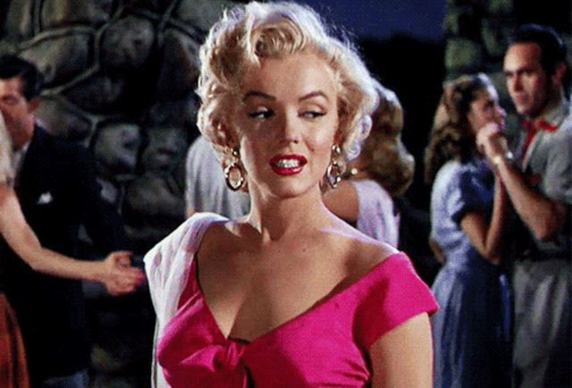 Interesting Facts About Marilyn Monroe (21 gifs)