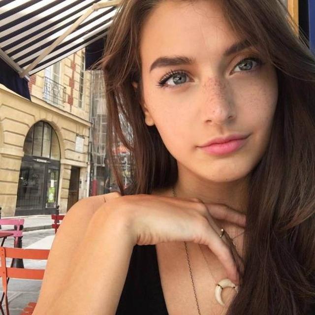 Beautiful Girls (49 pics)