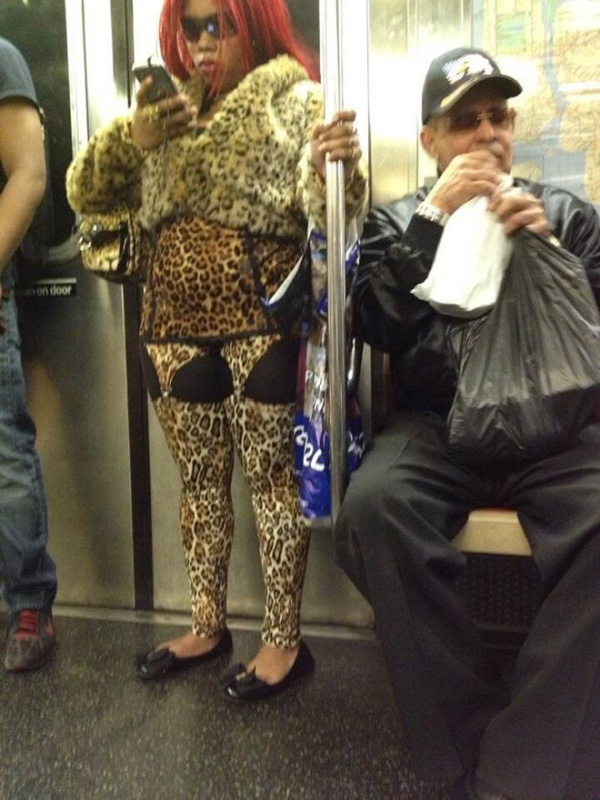 People On The Subway (19 pics)
