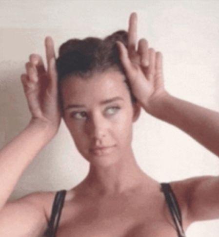 Hot Girls In Motion (19 GIFs)