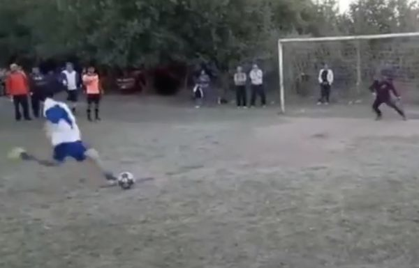 The Ultimate Soccer Penalty Kick    (Video)