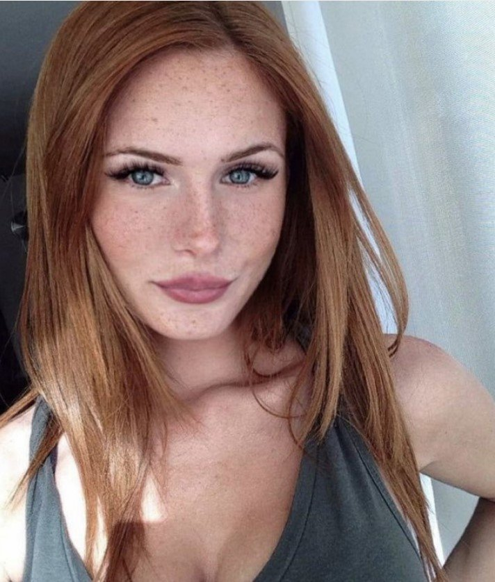 Very Hot Selfies (86 pics)