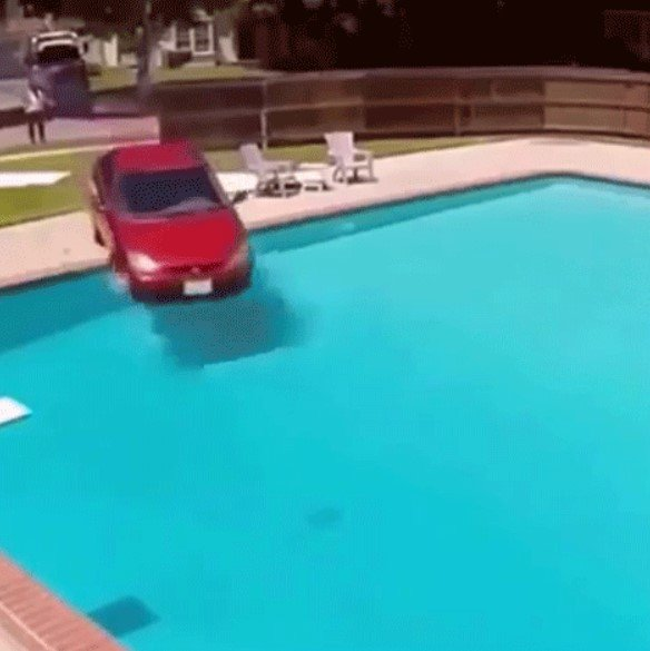 Bad Ways to Wash Your Car (23 gifs)