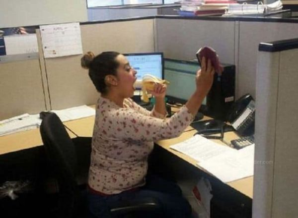 When Girls Get Bored At Work  (Pics)