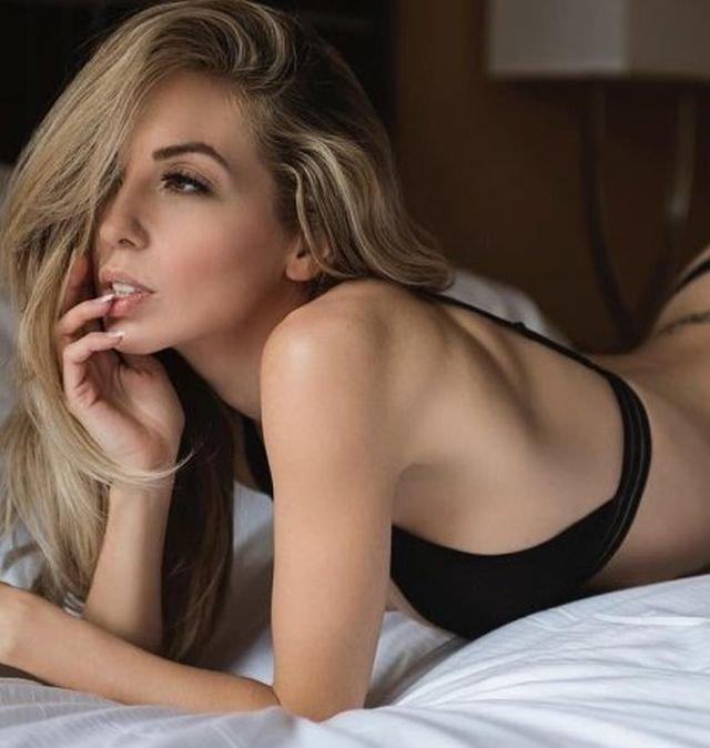 Hot Girls (35 pics)