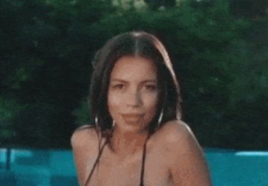 Hot Girls (38 gifs)