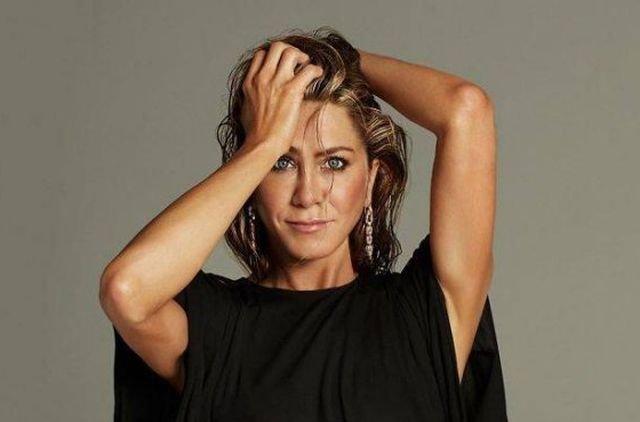 Jennifer Aniston Is 51 Years Old (26 pics)