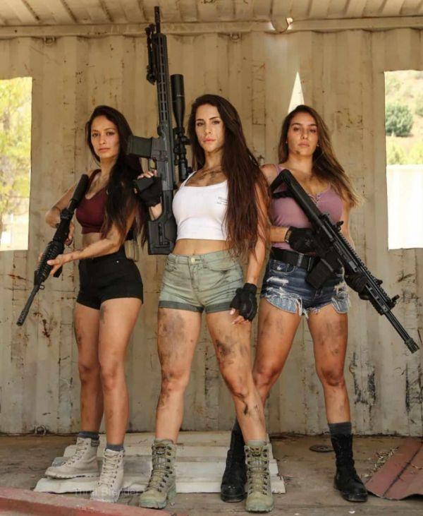 Little Women Who Can Handle Big Guns (40 Pics)