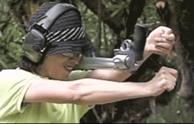 Gun Fails (26 gifs)