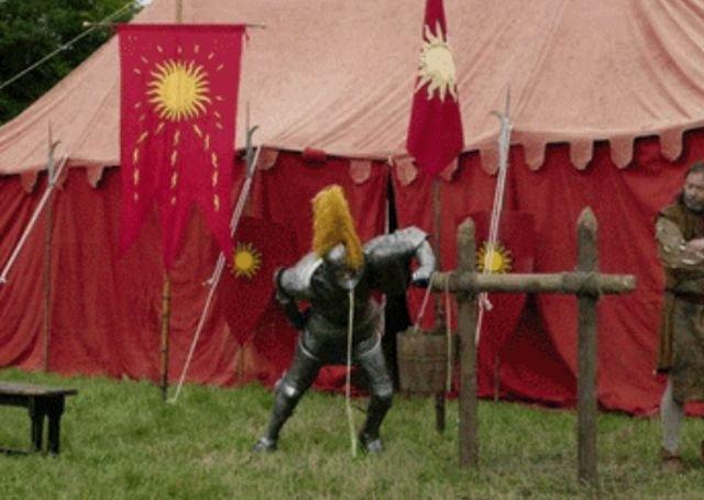 Medieval Fails (17 gifs)