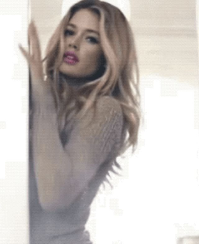 Hot Girls (36 gifs)