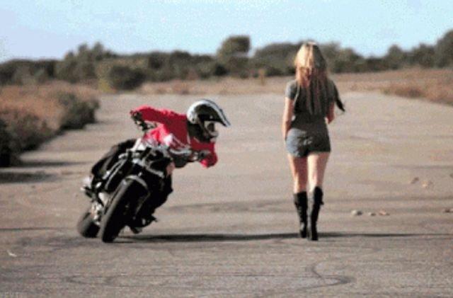 Motorcycle GIFs (35 gifs)