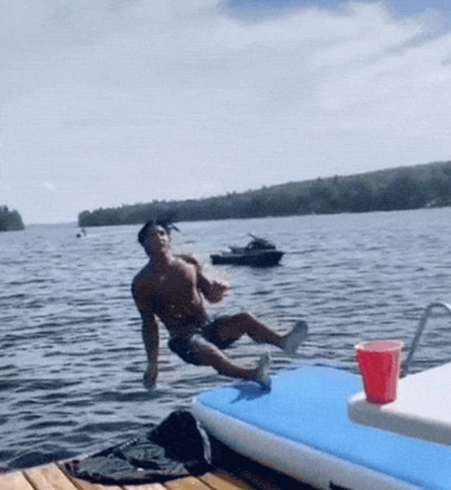 Wins And Fails (14 gifs)