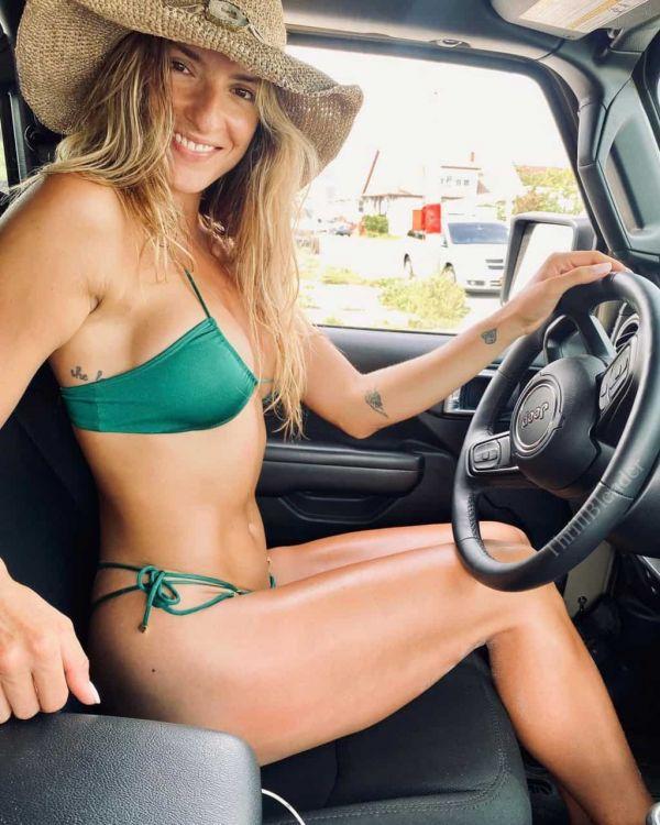 Ladies Love The Jeep Life (60 Pics)