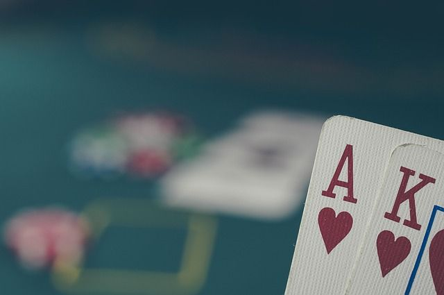 Why is online poker so popular in the UK