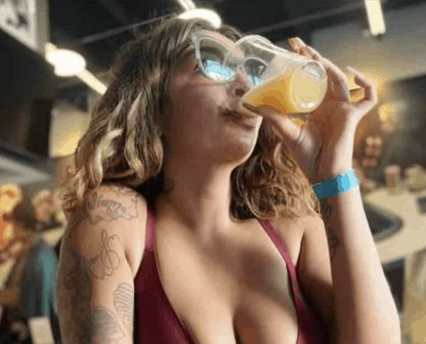 Drink Up With Some Beauties And Booze  (50 Pics)